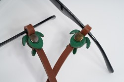 Gözlük Askısı Deri Özel Tasarım Kahve Askı Yeşil Caretta
