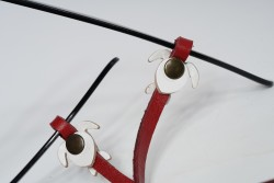 Gözlük Askısı Deri Özel Tasarım Kırmızı Askı Beyaz Caretta
