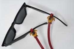 Gözlük Askısı Deri Özel Tasarım Kırmızı Askı Sarı Caretta