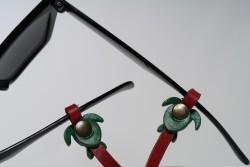 Gözlük Askısı Deri Özel Tasarım Kırmızı Askı Yeşil Caretta
