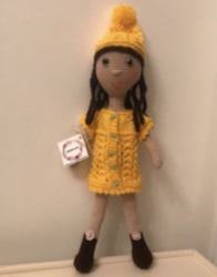 Sarı Kıyafetli Kız