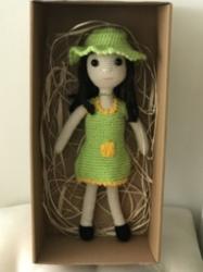 Şapkalı Kız